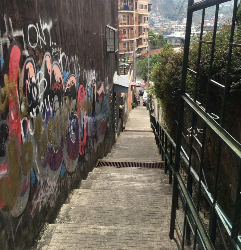 バギオの坂道