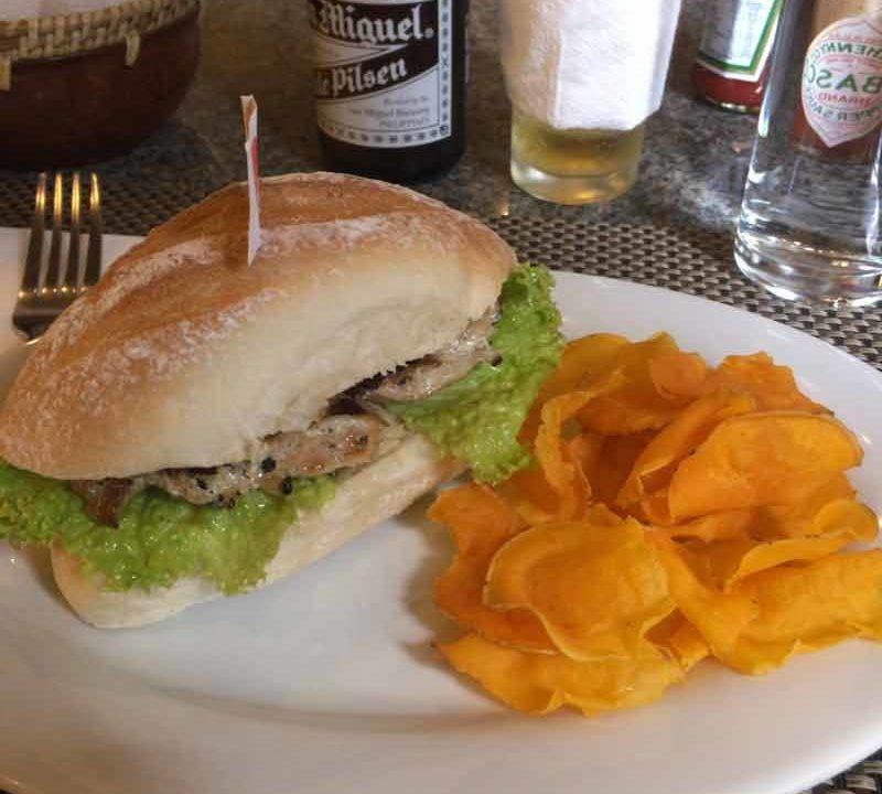 バギオの高級レストランHill Station サンドイッチ