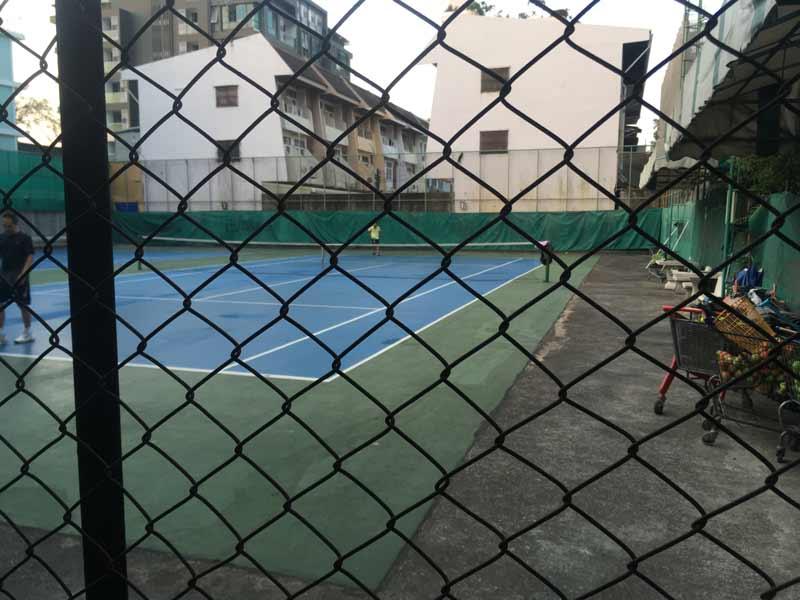 エカマイSUNテニスコート