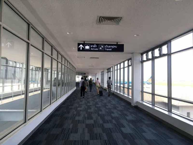 ビエンチャンのワットタイ国際空港