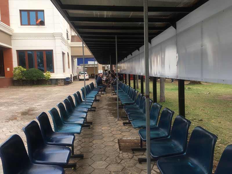 ビエンチャン タイ領事館