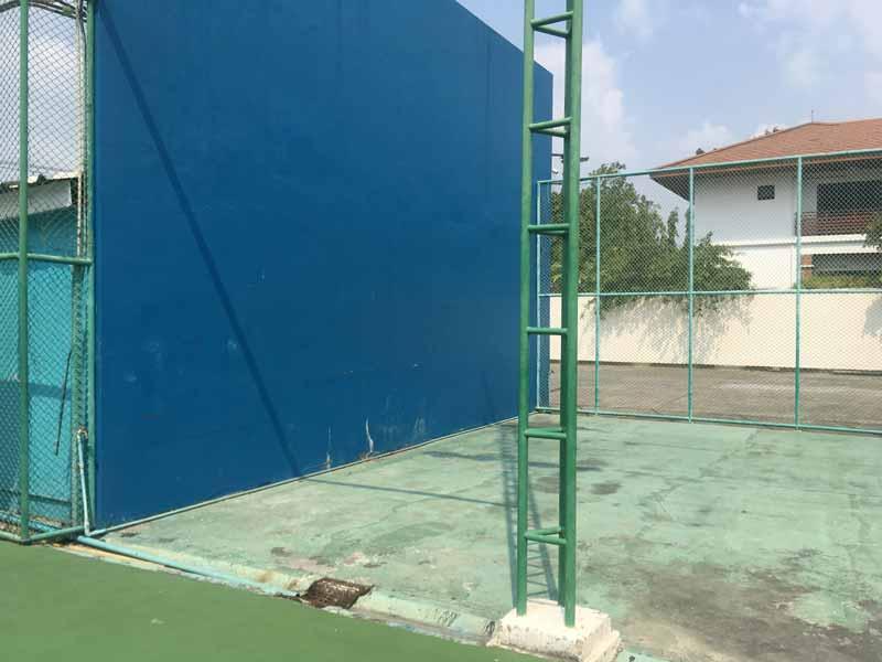 バンコクシモーテニスアカデミー壁打ち