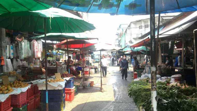 バンコクのプラカノン市場