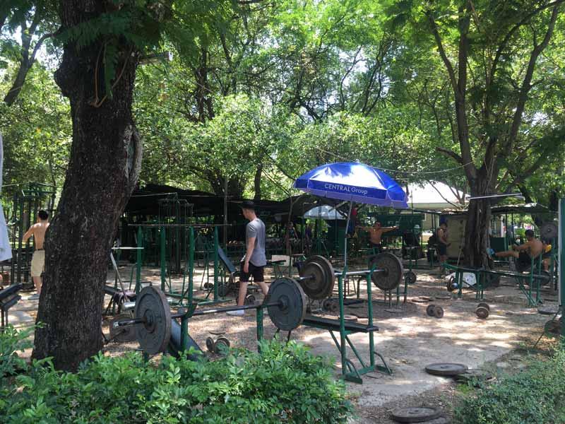 ルンピニー公園ジム