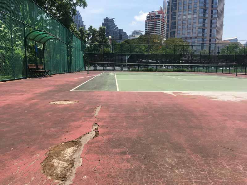 ルンピニ公園テニスコート