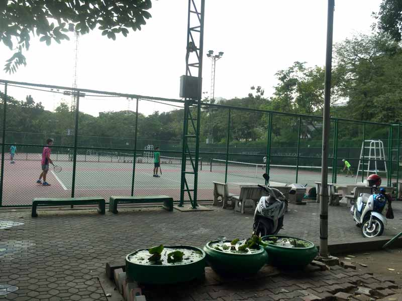 チュラロンコン大学テニスコート