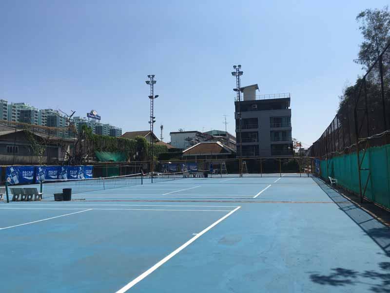 シーロムのテニスコート