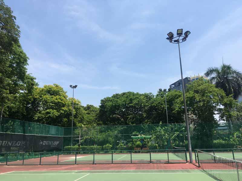 ルンピニー公園テニスコート