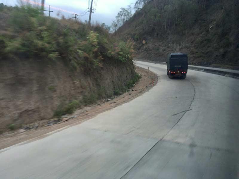 メーソート道路