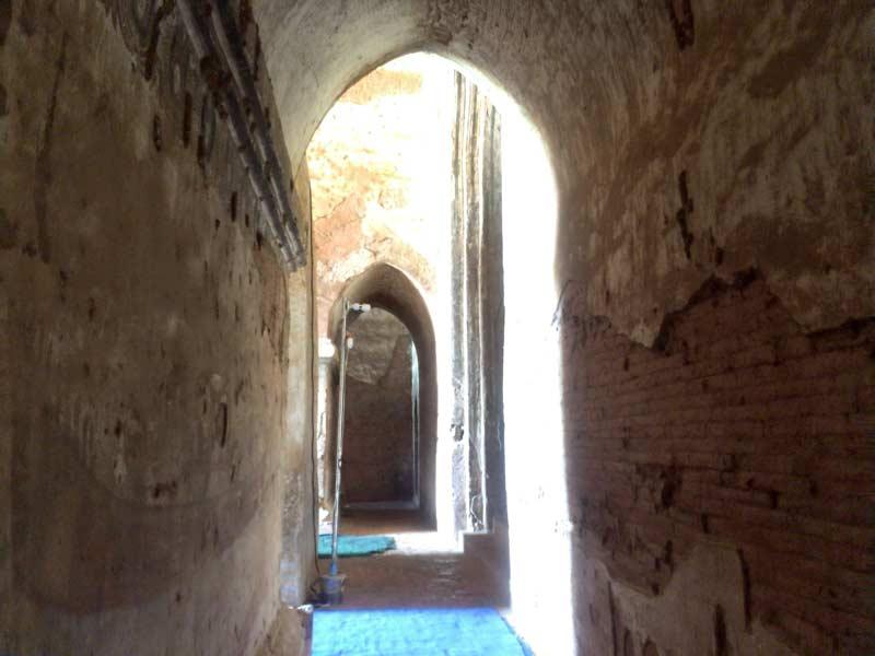 ダマヤンジー寺院内部