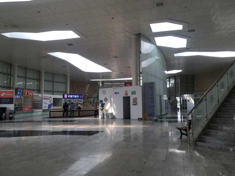 ネウシェヒルバスターミナル
