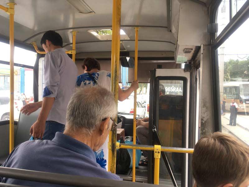 タシケントのバス