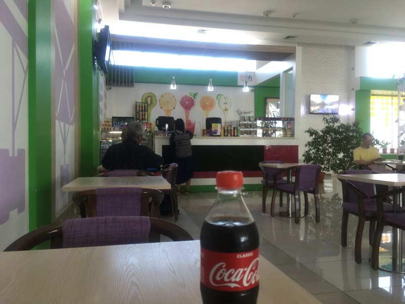 タシケント空港カフェ
