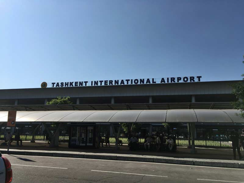 タシケント空港外観