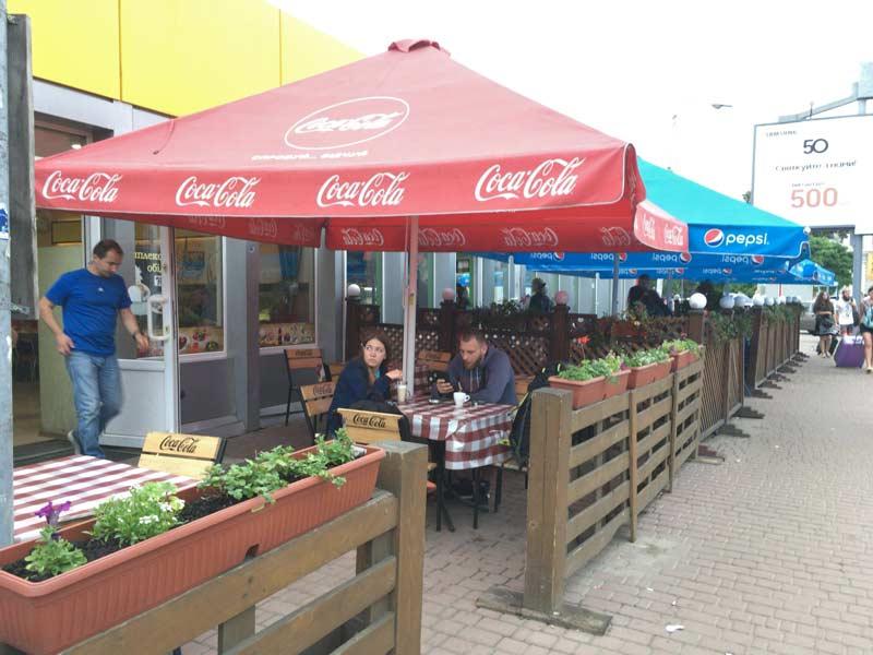 リヴィウ駅周辺のカフェ