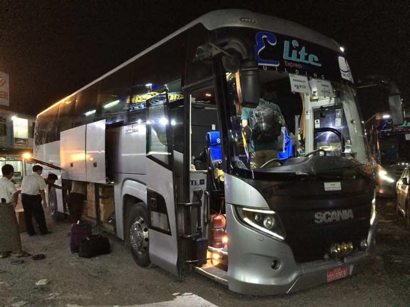 eliteバス