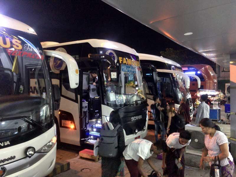 famousの長距離バス