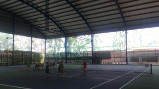 ホーチミンのテニスコート
