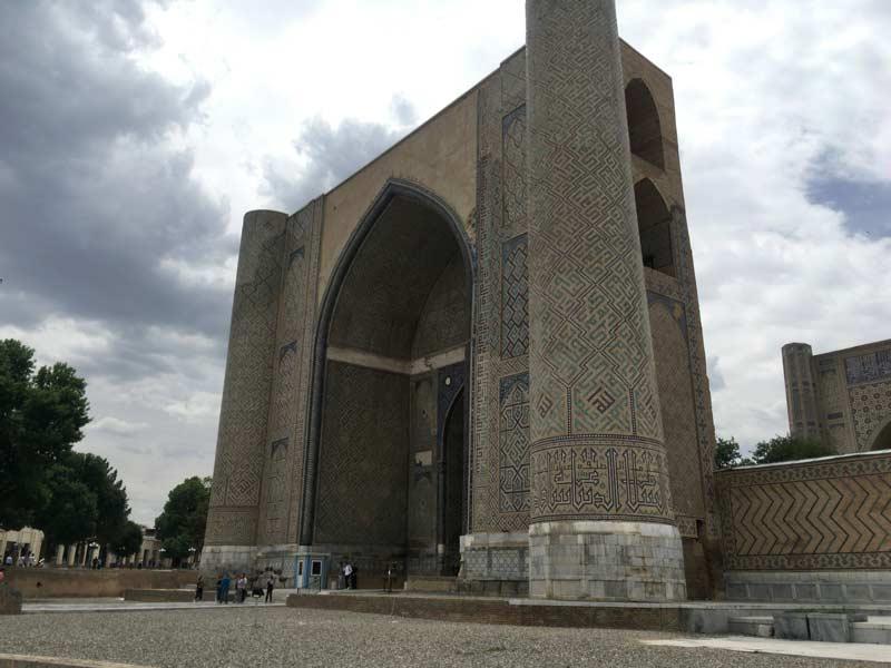 ビービー・ハーヌム・モスク