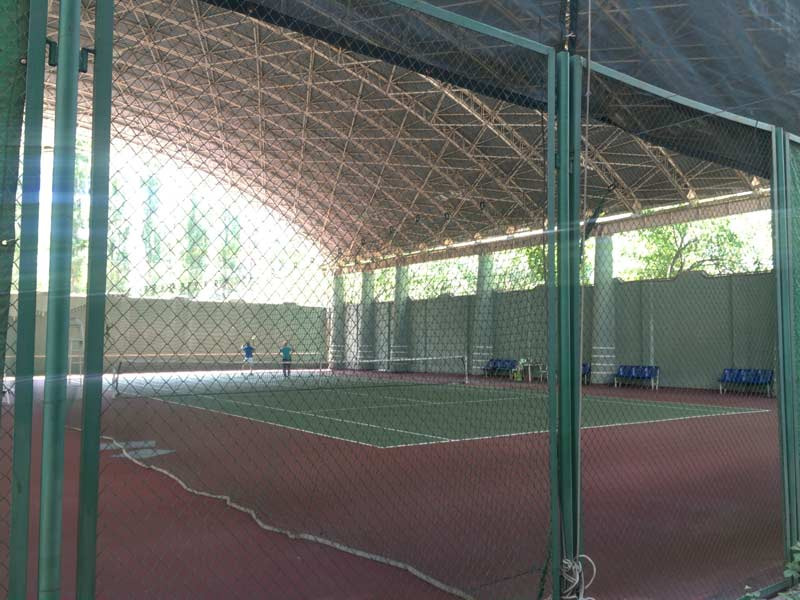 タシケントのテニスコート