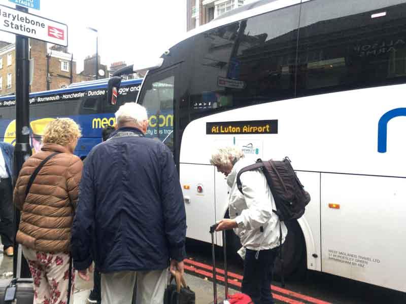 空港バスでルートン空港への行き方