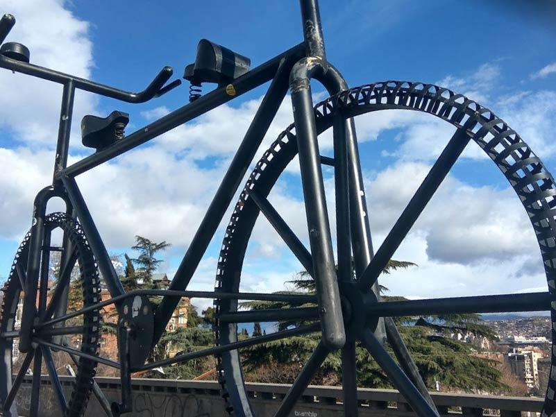 自転車のオブジェ