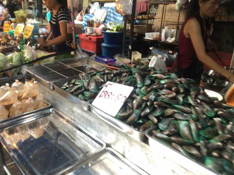 バンコクのローカルナイトマーケット
