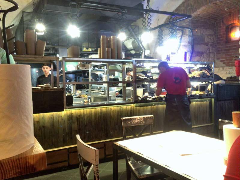 リヴィウのポークスペアリブレストラン