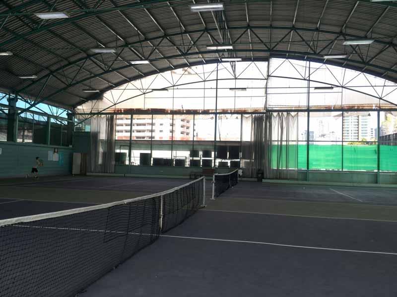 ラケットクラブのテニスコート