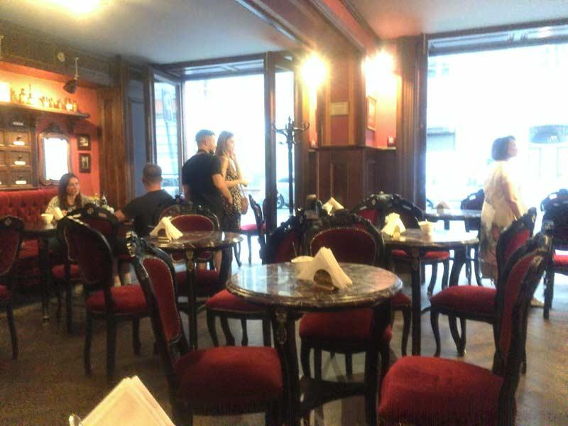 リヴィウのスイーツが美味しいカフェ