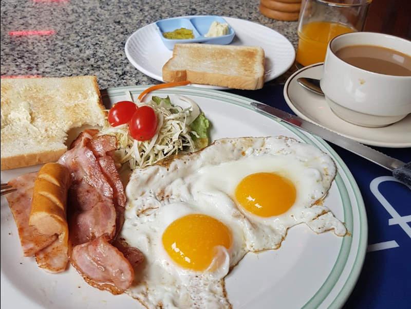 パタヤの朝食