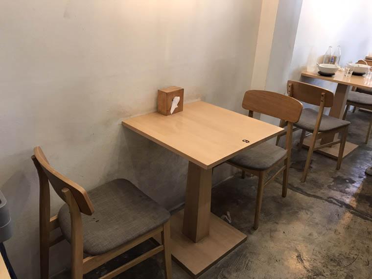 新道ラーメン店内