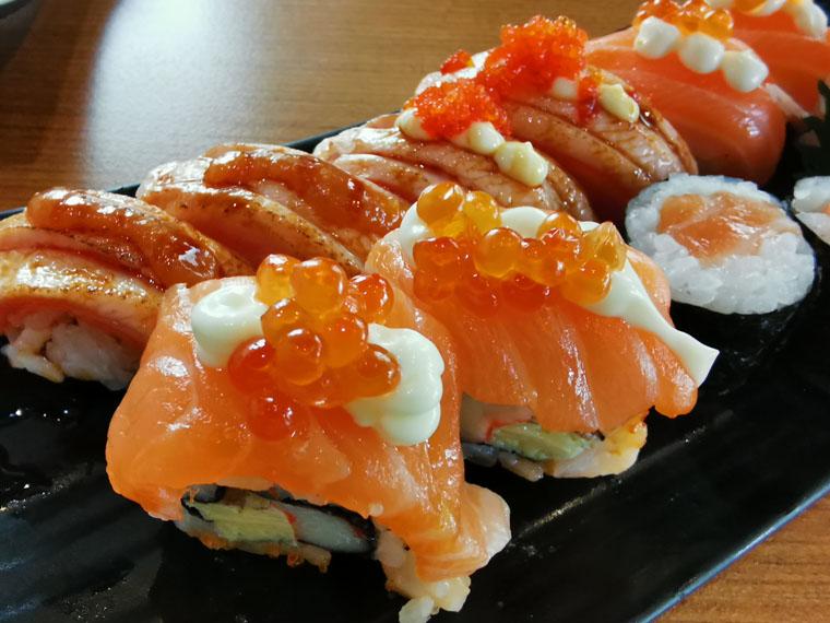 サーモン寿司盛り合わせ