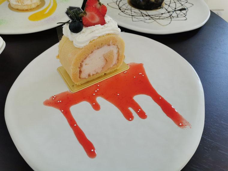 プラチナムヒルズのケーキ