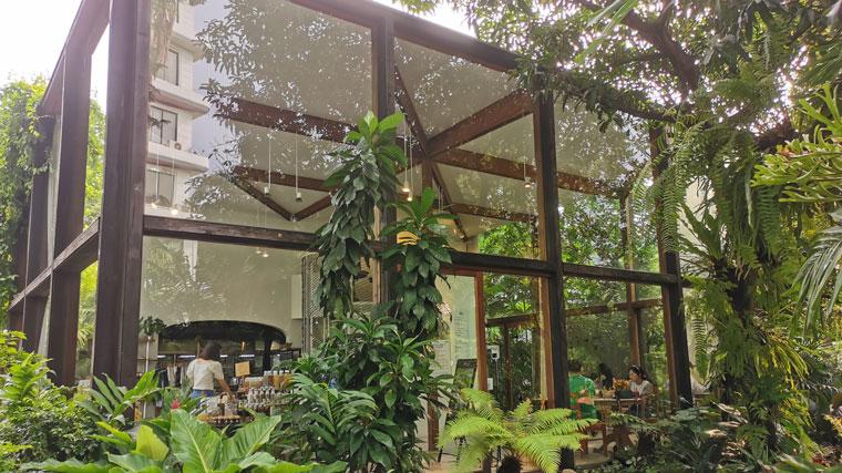 トンローのカフェ